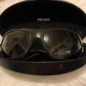 Vintage Prada sunglasses 🕶